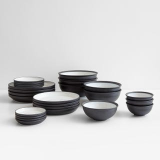 Rim Black Dinnerware Collection