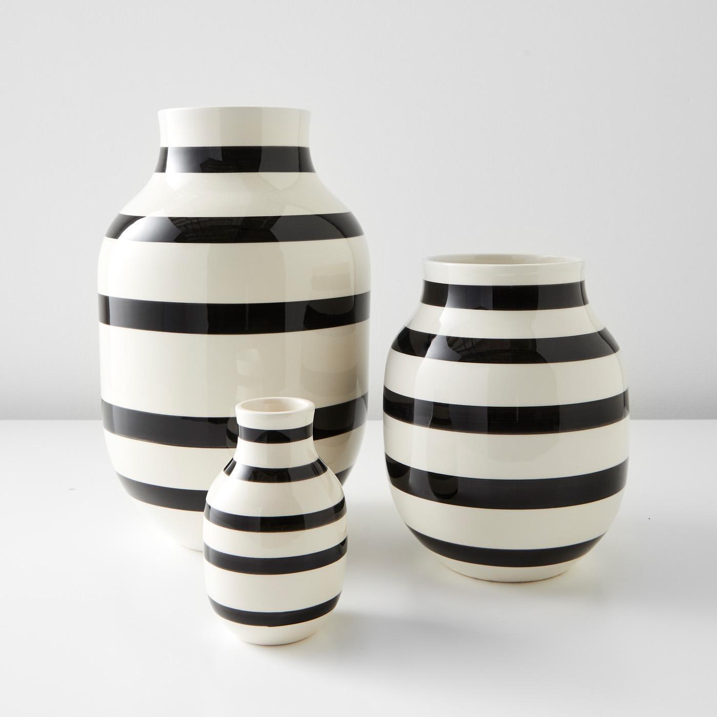 Omaggio Black Vases