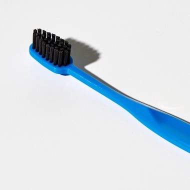 Binchotan_Charcoal_Blue_Toothbrush
