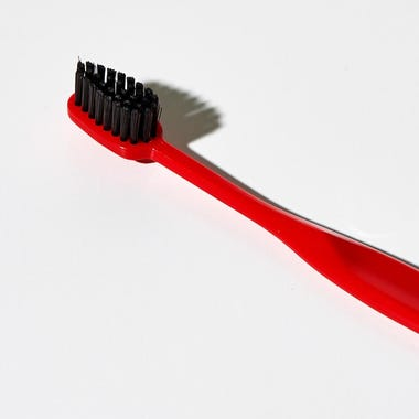 Binchotan_Charcoal_Red_Toothbrush