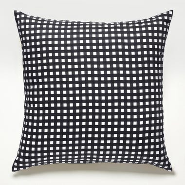 Gingham_Graphite_Throw_Pillow_22x22