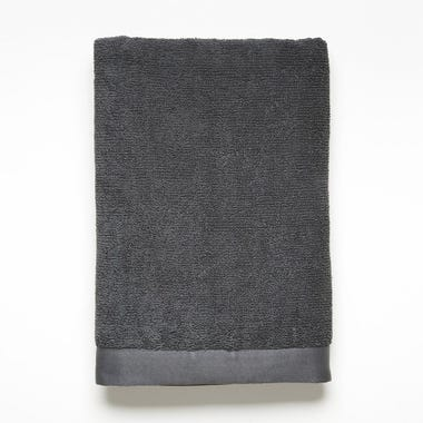 Logan Graphite Bath Towel