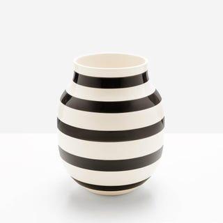 Omaggio_Black_Medium_Vase
