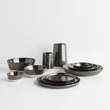 Thrown Gloss Black Dinnerware Collection